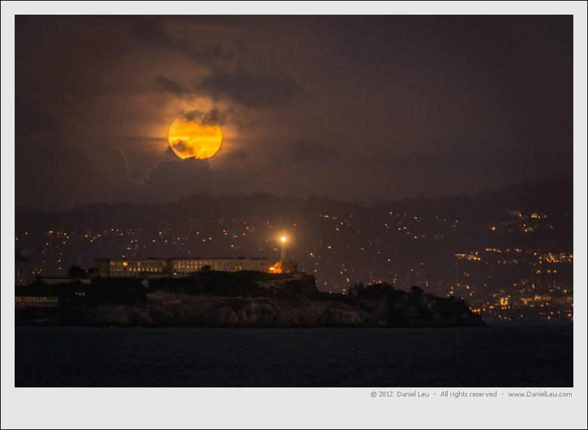 Full moon over Alcatraz– San Francisco